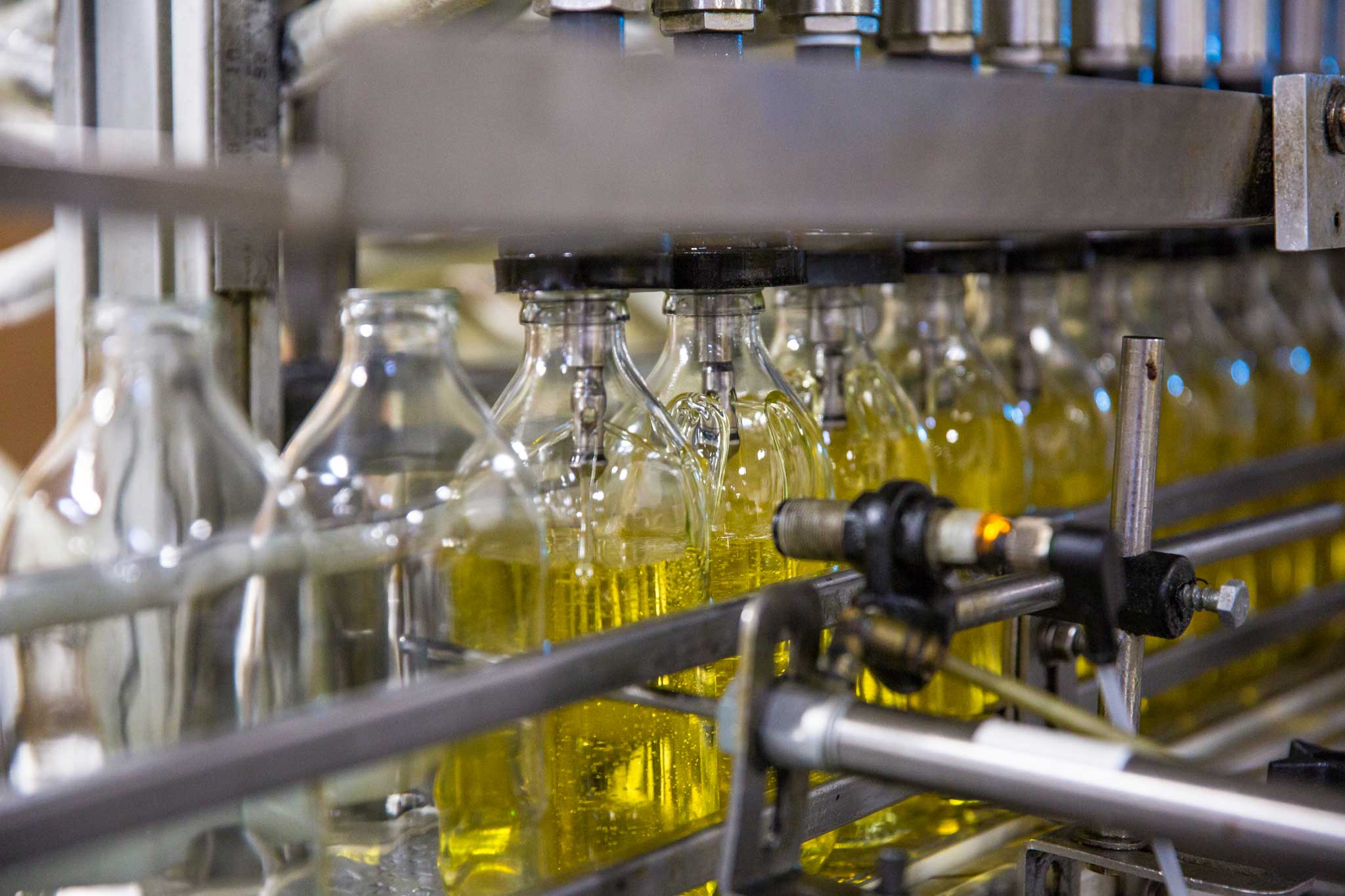 the-olive-oil-factory_COPACKING-1